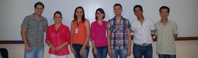 Alunos da FATECIE que apresentaram o site da ONG Goes, pelo projeto Serviços e Cidadania, em Paranavaí